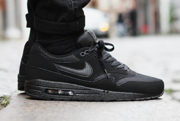 Nike Air Max 1 tout cuir noir